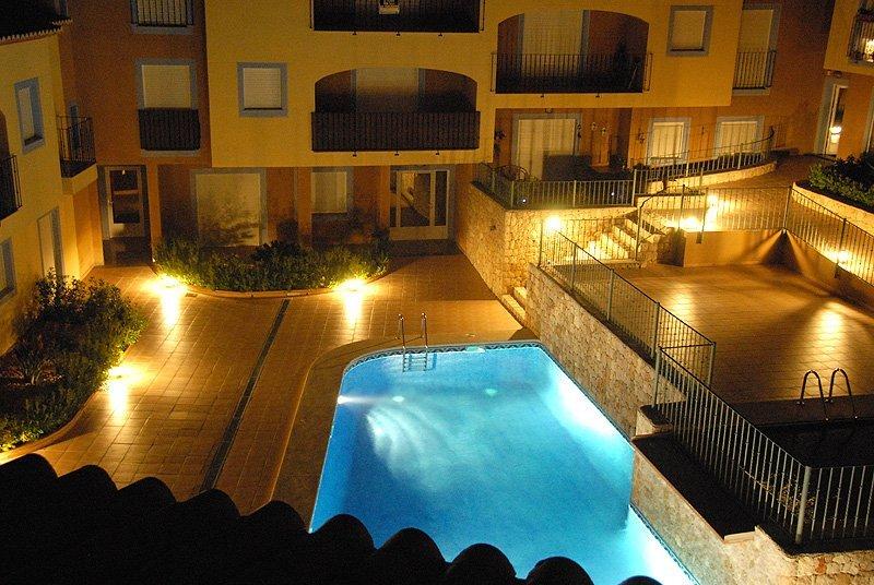 Modern Luxurious Apartment in much sought after Teulada-Moraira - Sleeps 8, aluguéis de temporada em Teulada