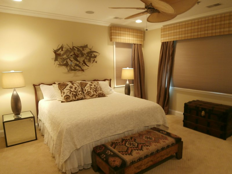 Gorgeous Master Suite w/ King bed and Private Master Bath