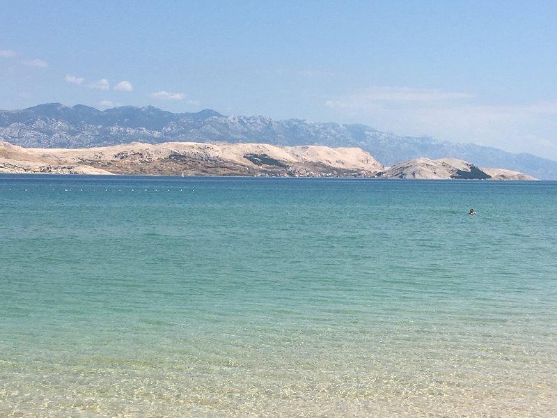 Great vacation home by Adriatic sea, alquiler vacacional en Stara Novalja