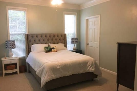 Cozy Condo With Memory Foam Mattress, vacation rental in Brookhaven