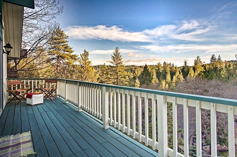 Profitez de la vue panoramique depuis treeline l'un des 2 balcons.