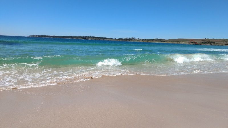 South Shellharbour beach is only 50 metres away.