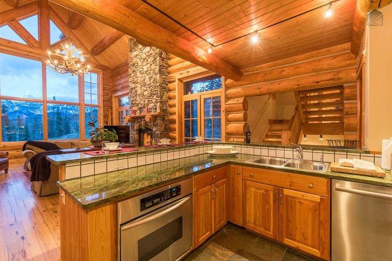 Ausreichend Ablagefläche in der Küche ist für alle Ihre Bedürfnisse Kochen zur Verfügung.