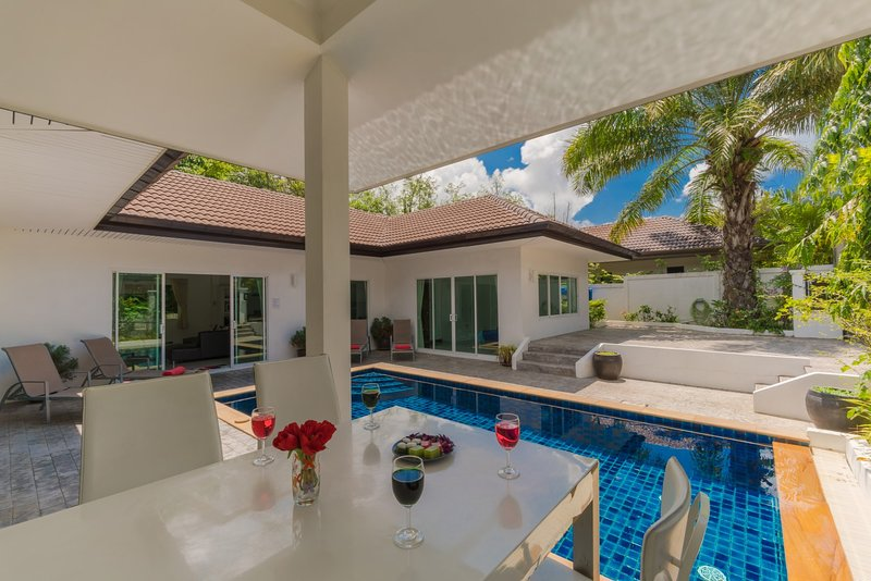 Private Pool Villa 4 bedrooms Green area, holiday rental in Phuket Town