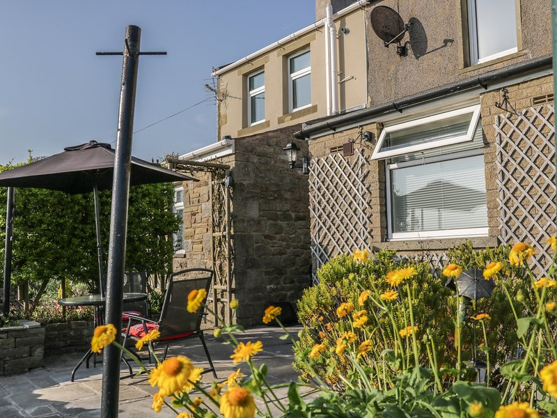 GUYS COTTAGE, Dog friendly, beautiful landscape views, smart TV. Ref:953748, holiday rental in Kirkby Malham