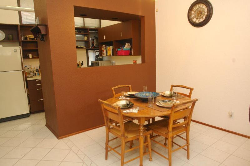 Dinning area\/Kitchen