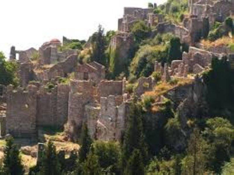 Le château byzantin-la ville de Mystras (56km)