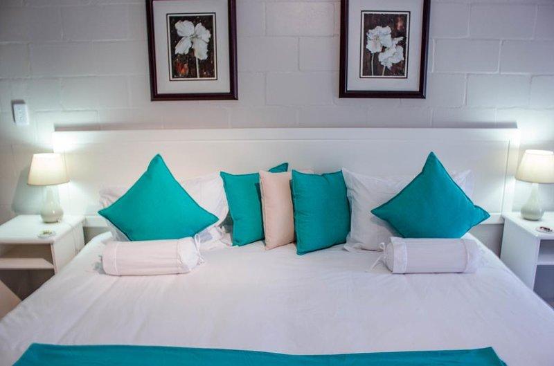 Glenfinnan Guest House: Room 3 (Deluxe Double/Twin w/ Garden View), aluguéis de temporada em Saldanha
