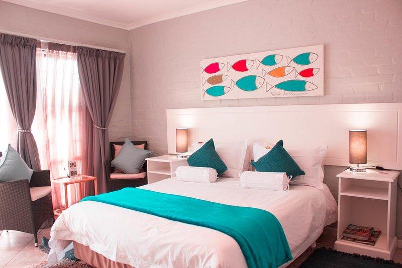 Glenfinnan Guest House: Room 4 (Deluxe Double Room w/ Sea View), aluguéis de temporada em Saldanha