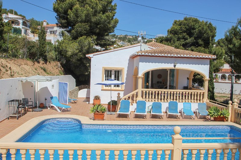 Hermosa - this lovely detached holiday property in Benissa, location de vacances à Benissa