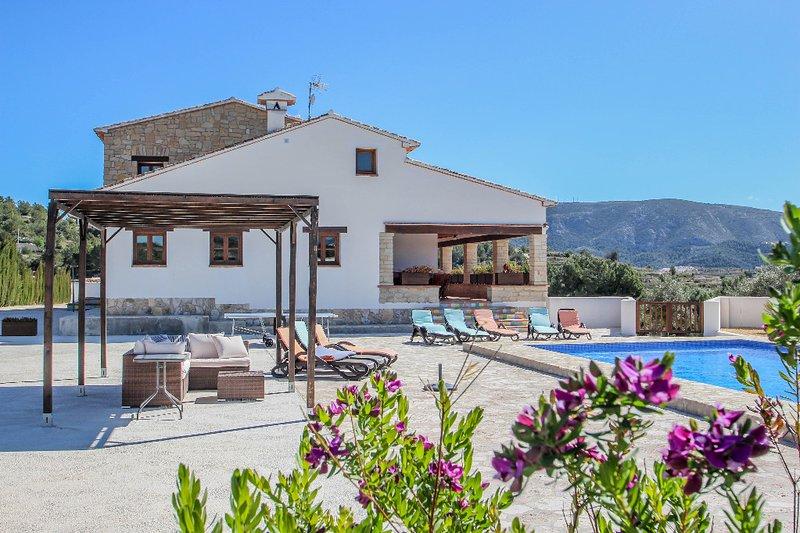 Finca Argudo - private pool villa in Moraira, aluguéis de temporada em Teulada