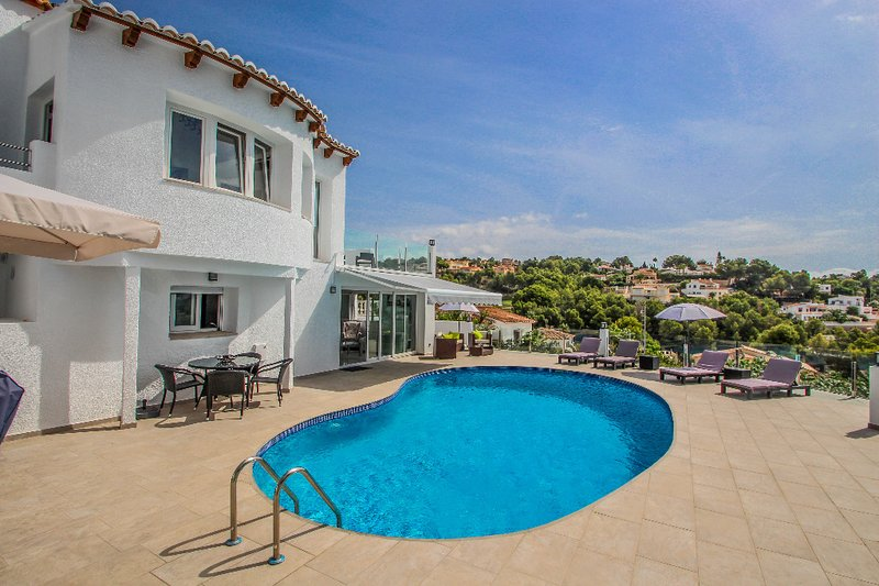 Gila - sea view villa with private pool in Benissa, holiday rental in Benissa