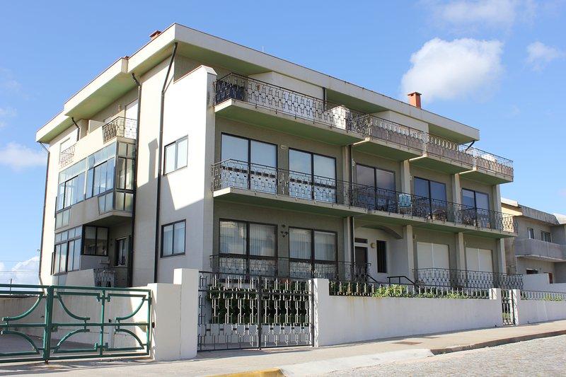Amazing apartment with sea view, location de vacances à Mindelo