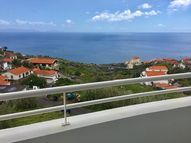 Nice apartment with sea view & Wifi, holiday rental in Gaula