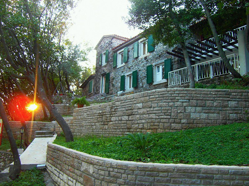 Old Stone House from 19th Century – semesterbostad i Tivat