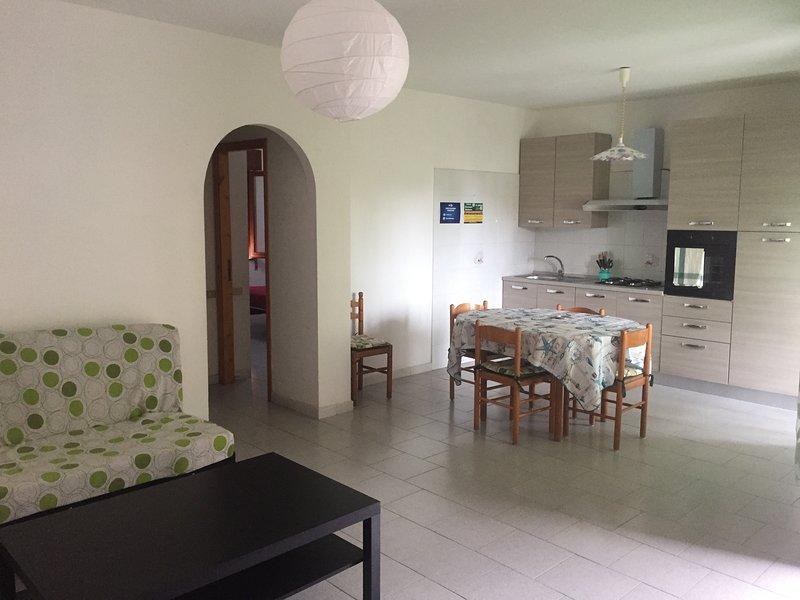 Casa Vacanze Tortora Appartamento 2 Camere, vacation rental in Castelluccio Superiore