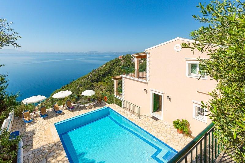 Schöne Villa mit privatem Pool, Terrasse und Panoramablick