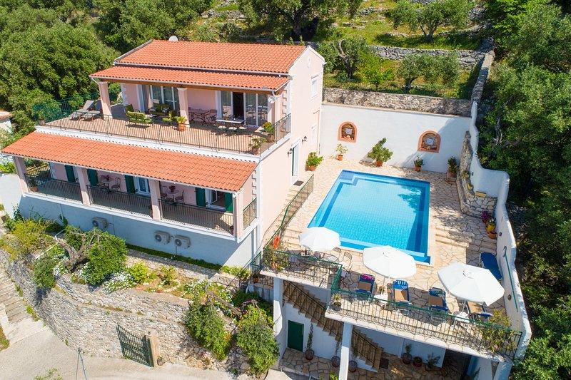 Luftaufnahme der Villa Armandos