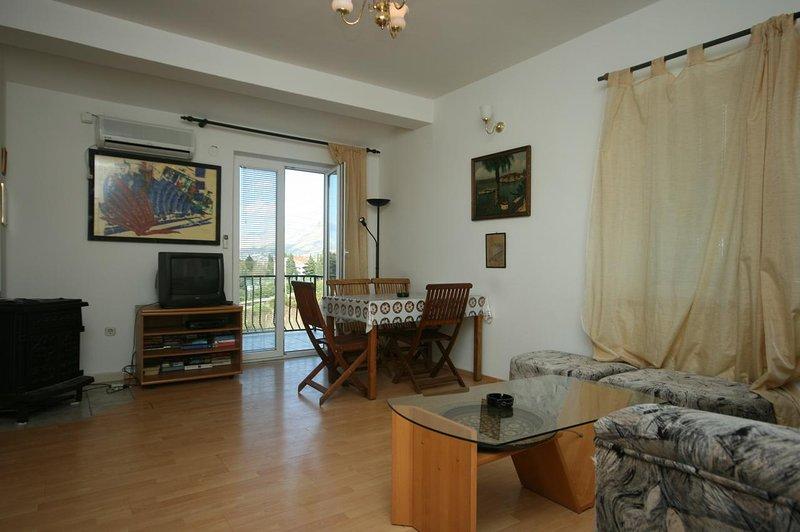 Wohnzimmer, Fläche: 13 m²
