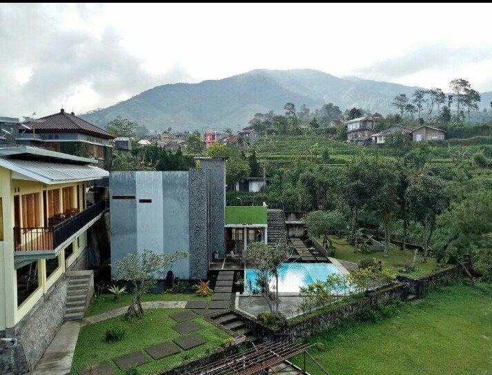 Villa Brajamusti Puncak - Gym, Billiard dan Kolam Renang, Ferienwohnung in Bogor