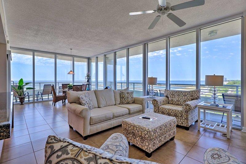 Luxurious Biloxi Beach Condo w/ Amenities & Views!, holiday rental in Beauvoir