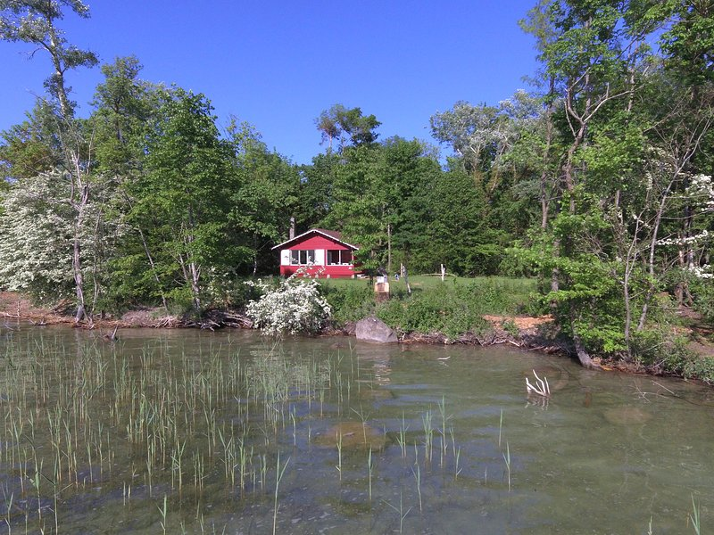 The lodge at the lake, holiday rental in Orvin