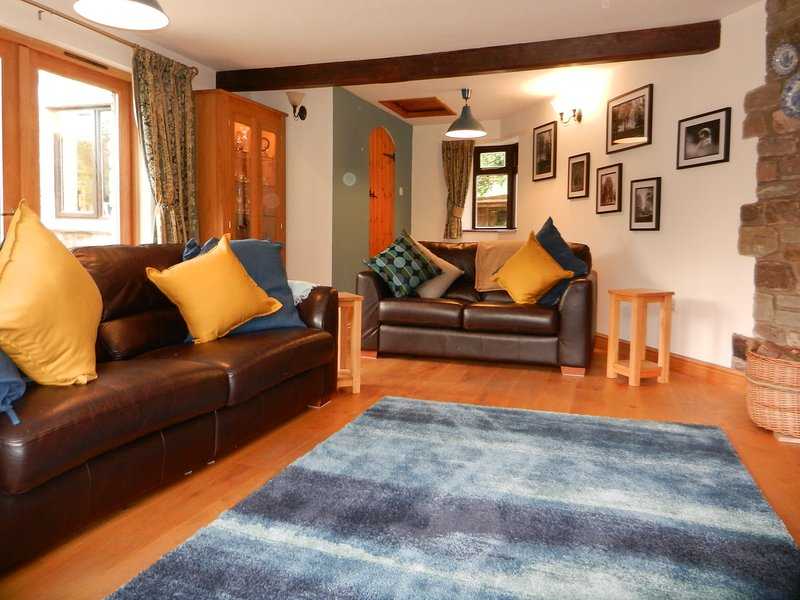 Kerne Cottage, Holiday Let in the Heart of the Wye Valley, an ANOB. SW Facing., vacation rental in Weston under Penyard