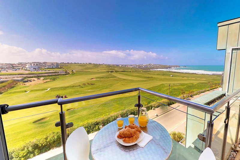Zinc Penthouse 50, holiday rental in Newquay