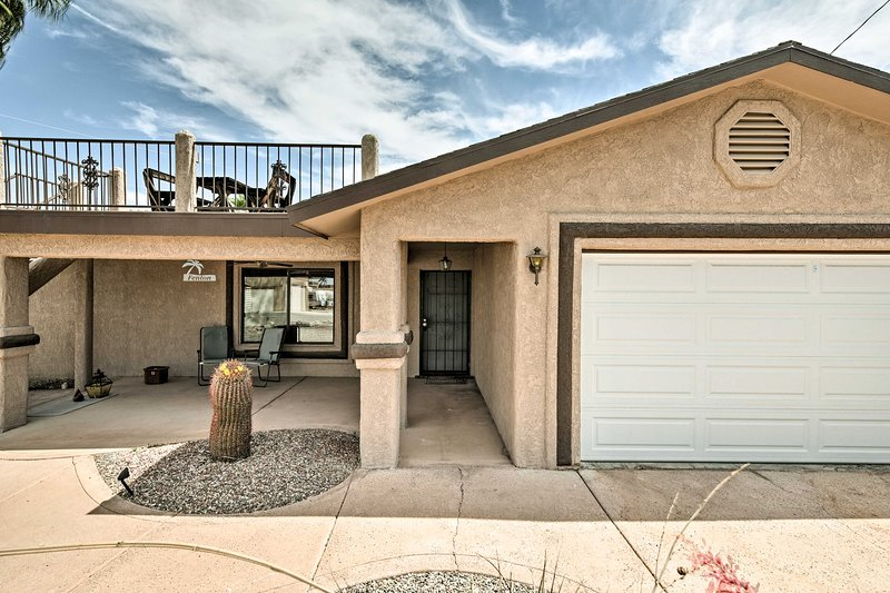 The home features an ideal location just minutes from Lake Havasu!