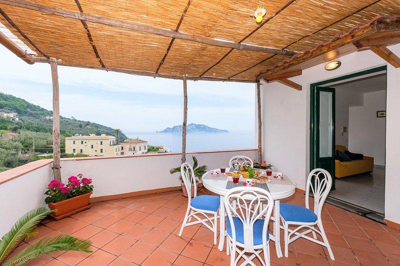 terrasse avec vue sur la mer à Capri