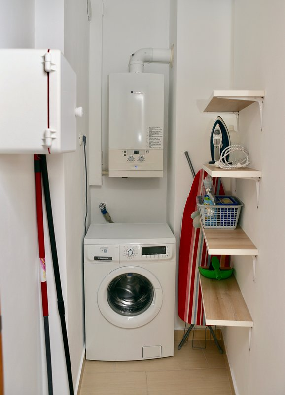 Washing machine and iron provided