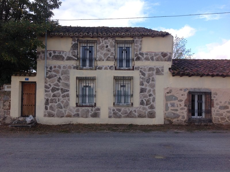 Casa Rural La Alborada, location de vacances à Robledillo