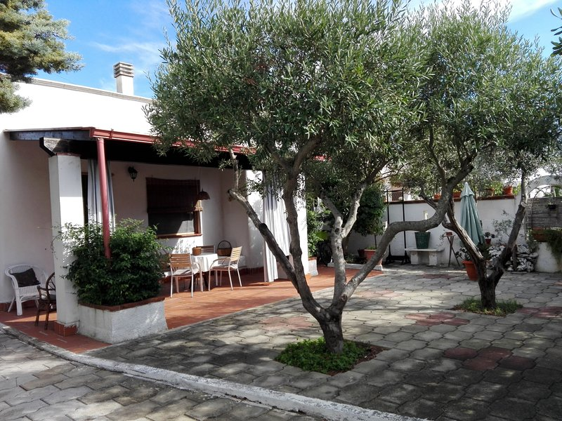 Nice house near the beach & terrace, vacation rental in Maruggio