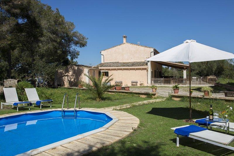 Finca Son Felip, piscina privada , wifi,  jardín, comodidad., holiday rental in Playa de Palma