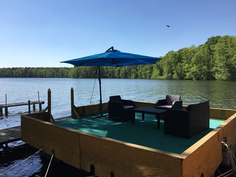 Floating terrace, you feel like on a boat