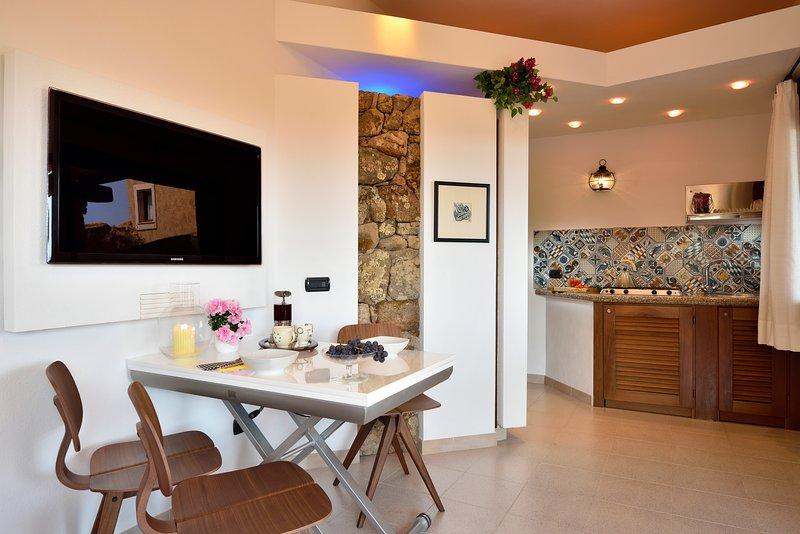 CREATIVE DESIGN – L'Ea di Lavru Residence - Apt 10, vacation rental in Porto Rafael