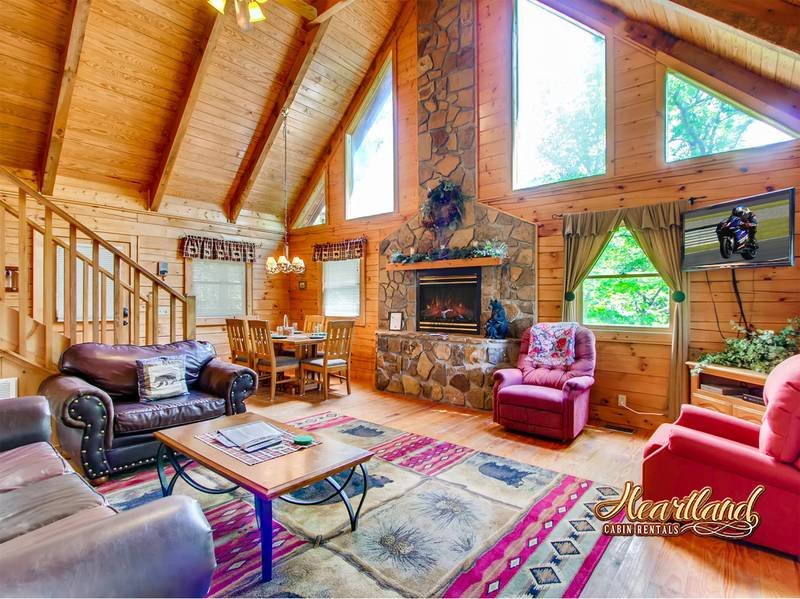 2 Bedroom Pet Friendly Cabin in Pigeon Forge