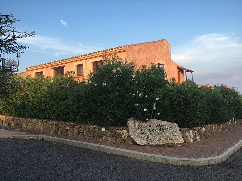 Residenza con piscina L'Uliveto Birgalavò, casa vacanza a Malamurì