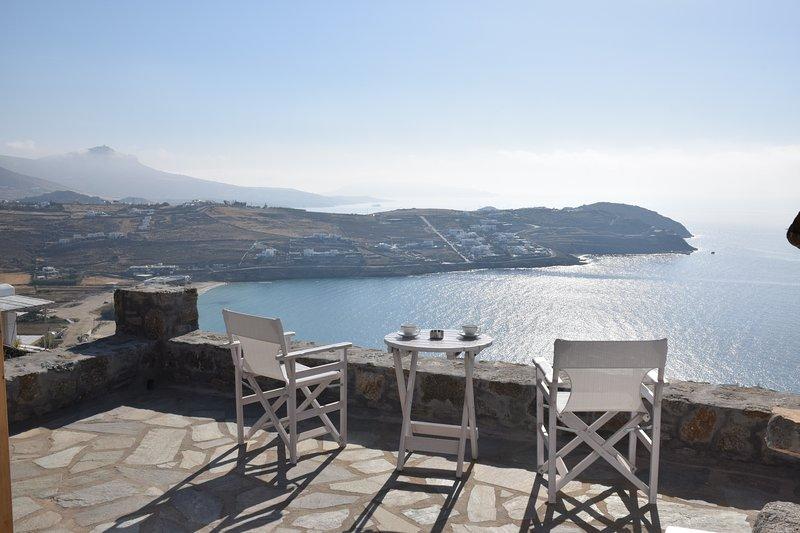 ANDROMEDA MYKONOS VILLAS-DELUXE SUITE, casa vacanza a Agios Sostis