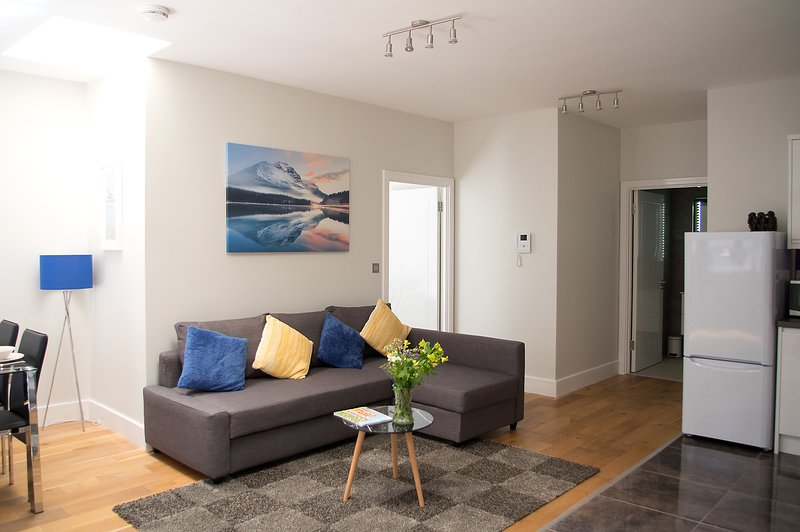♥ The Wolverton Suite ♥ Great Central Location ♥ – semesterbostad i Dogmersfield