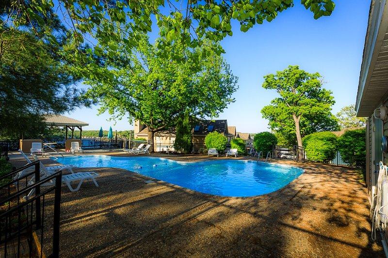 Vue sur la piscine 5