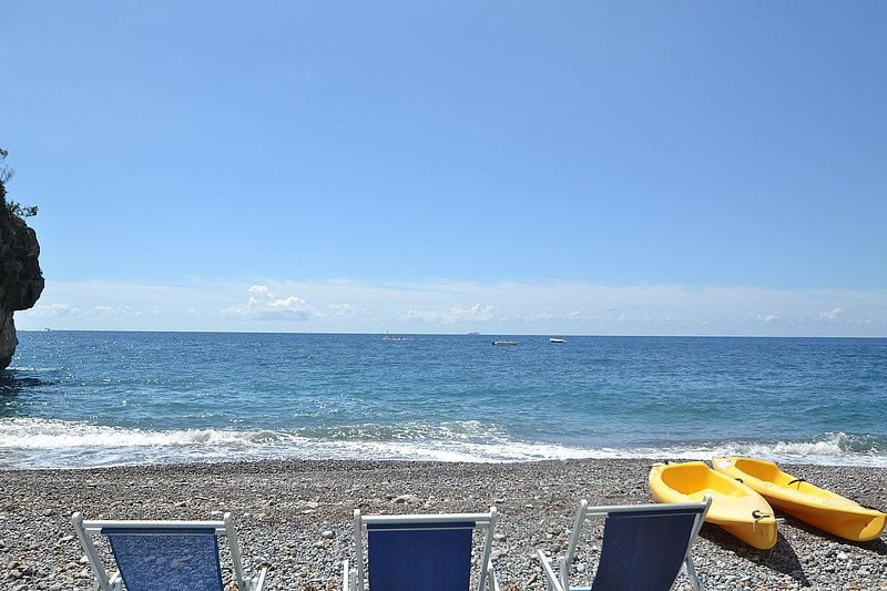 Bomerano Villa Sleeps 2 with Pool Air Con and WiFi - 5228563, holiday rental in Montepertuso