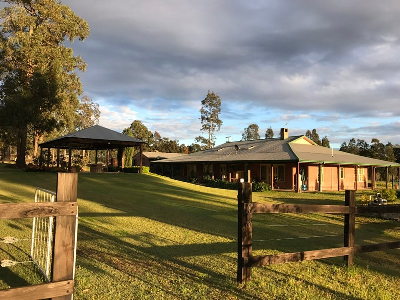 Lovedale Links Lodge -  at the heart of all the major Hunter Valley attractions, holiday rental in Lovedale