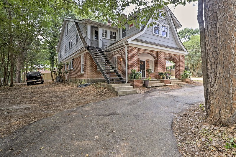 This property is perfect for families in town for UGA graduation!