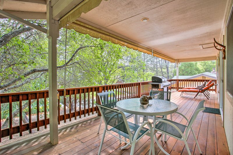 Groveland Resort-Style Home w/Grill near Yosemite!, vacation rental in Groveland