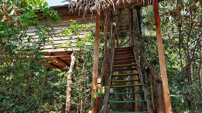 The Jungle Paradise, Habarana (Tree house/Mud house/Camping ), holiday rental in Kekirawa