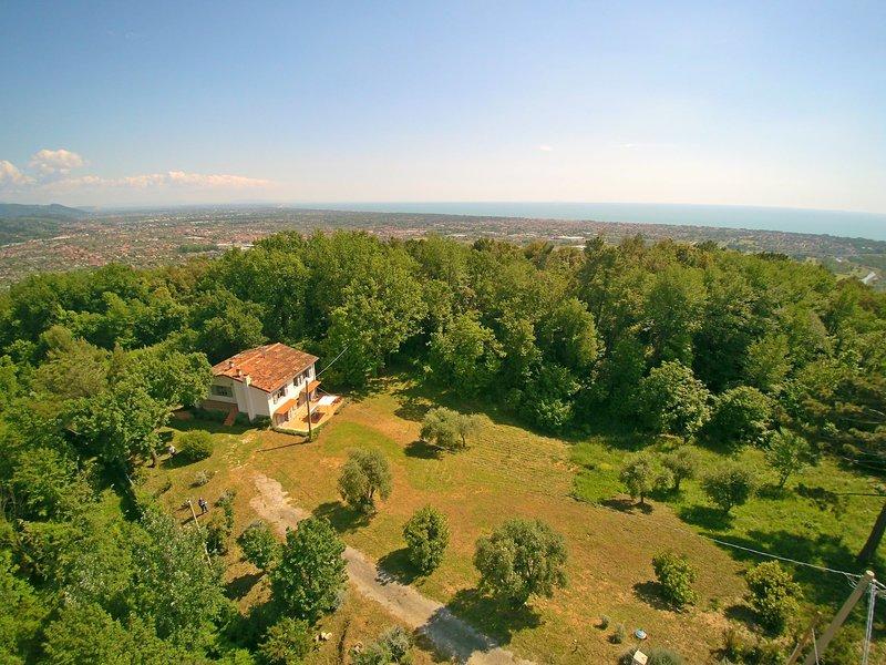 Casa Nel Bosco, holiday rental in Ripa-Pozzi-Querceta-Ponterosso