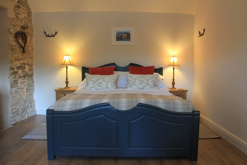 New luxury apartment 2.5 miles from Fowey and only 10minute walk to beach, holiday rental in Fowey