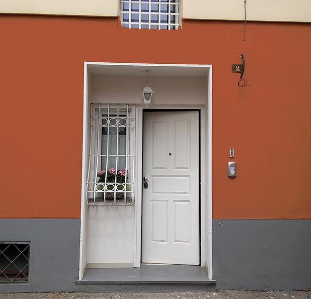 "Independent entrance ""B & B - Holiday House"" Pompeii My Life ""Via San Giuseppe n.8 - Pompeii"
