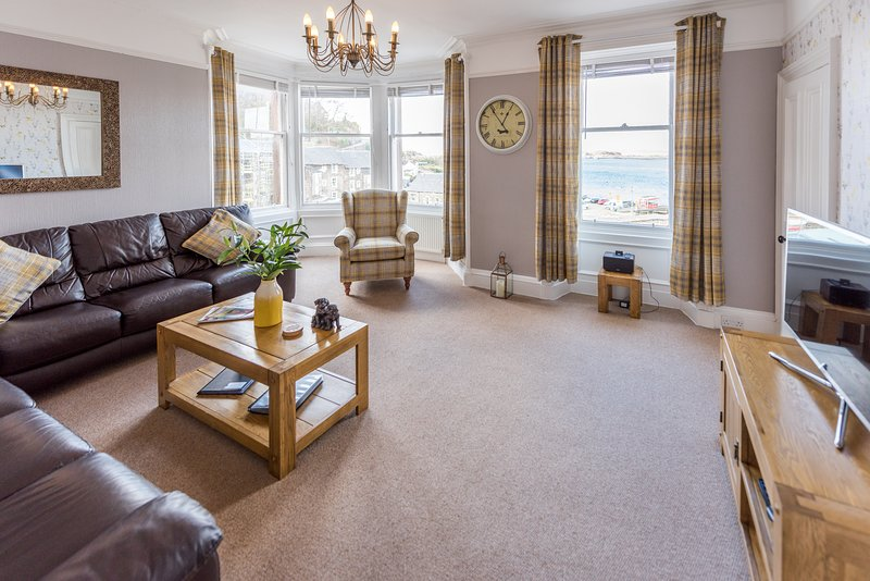 Little Bay Apartment, holiday rental in Oban